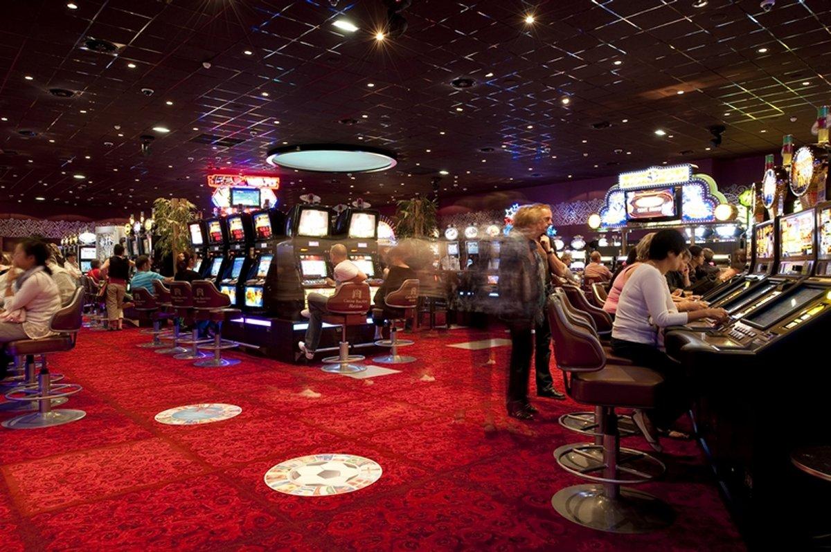 почему азино а не казино
